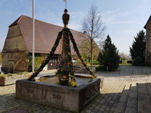 Osterbrunnen in Großingersheim